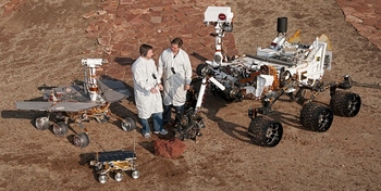 PIA15279_3rovers-stand_D2011_1215_D521.jpeg